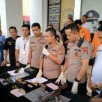 Polres Tangsel Tangkap Dua Pelaku Pengedar Narkotika dan Senpi Rakitan.
