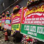 Raih Penghargaan Muri SMSI Dibanjiri Karangan Bunga