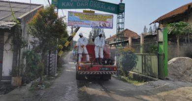 Melawan Corona, Warga Perumahan di Tangerang Lakukan Aksi Penyemprotan Mandiri