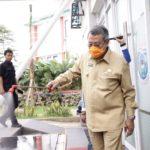 Satpol PP Lakukan Penyemprotan Disinfektan, Benyamin Davnie : Posko Covid-19 Sudah Bisa Digunakan